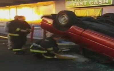Al menos dos personas resultaron heridas durante accidente en Hialeah
