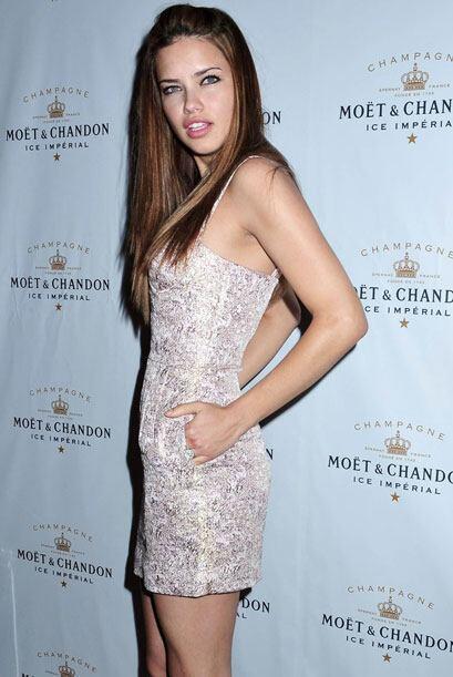 La brasileña Adriana Lima antes de embarazarse, consumía gran cantidad d...