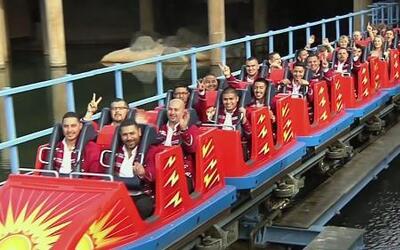 'Banda Viento de Oro' hizo su 'ritual de iniciación' en Disneyland