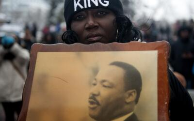 Loss postulados de no violencia de Martin Luther King han sido reactivad...