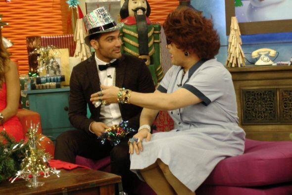 Doña Meche tenía muy entretenido a Mauricio Mejía con sus ocurrencias.