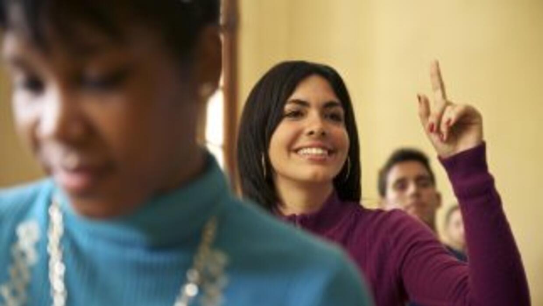 La Universidad de California informó que 42.5 por ciento de los que ingr...