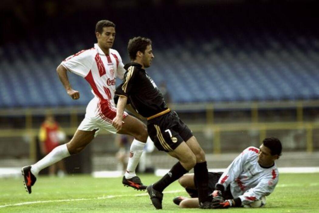 Por parte del Madrid, marcó Raúl y lo empató Agustín Delgado al 58' en p...