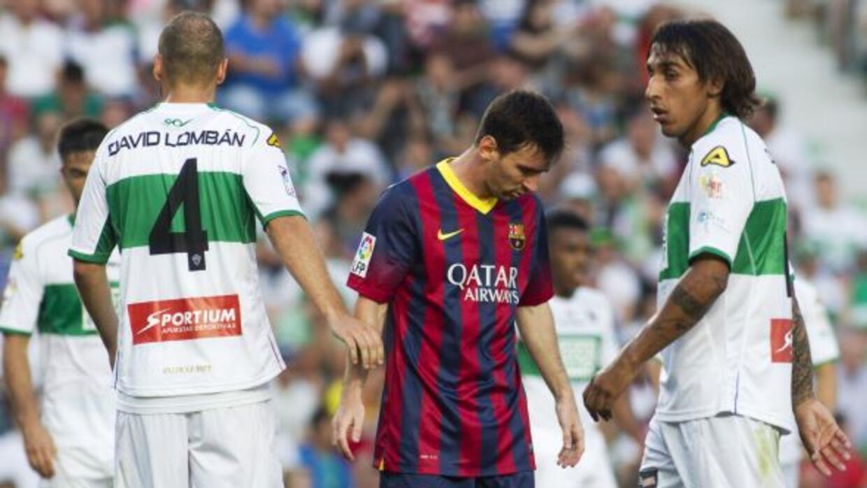 Ni Messi ni compañía pudieron con la zaga del Elche, que con el punto lo...