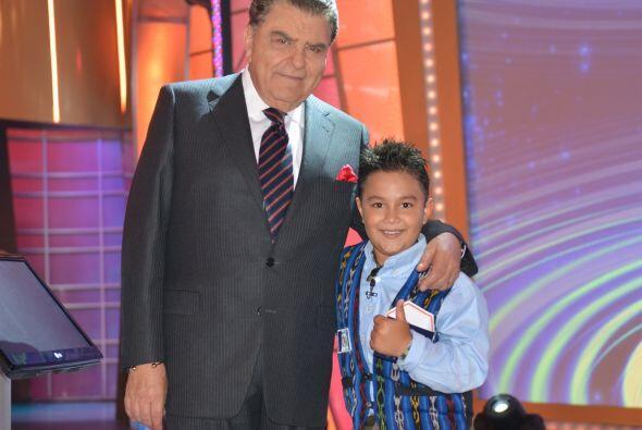 Un gran chileno famoso y un pequeño guatemalteco talentoso. ¡No podía fa...