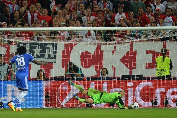 Parada providencial de Neuer para darle la Súpercopa al Bayern.