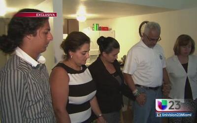 Familia de Aguilar ora por un veredicto de culpabilidad