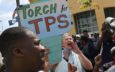 Centroamericanos bajo el programa TPS temen que la administración actual...