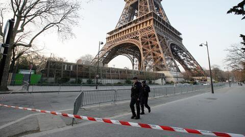 Las medidas de seguridad en París siguen reforzándose ante...