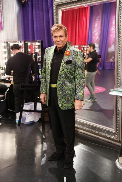 Osmel sigue presumiendo su amplia colección de chaquetas.