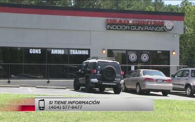 Investigan robo en tienda de tiro al blanco