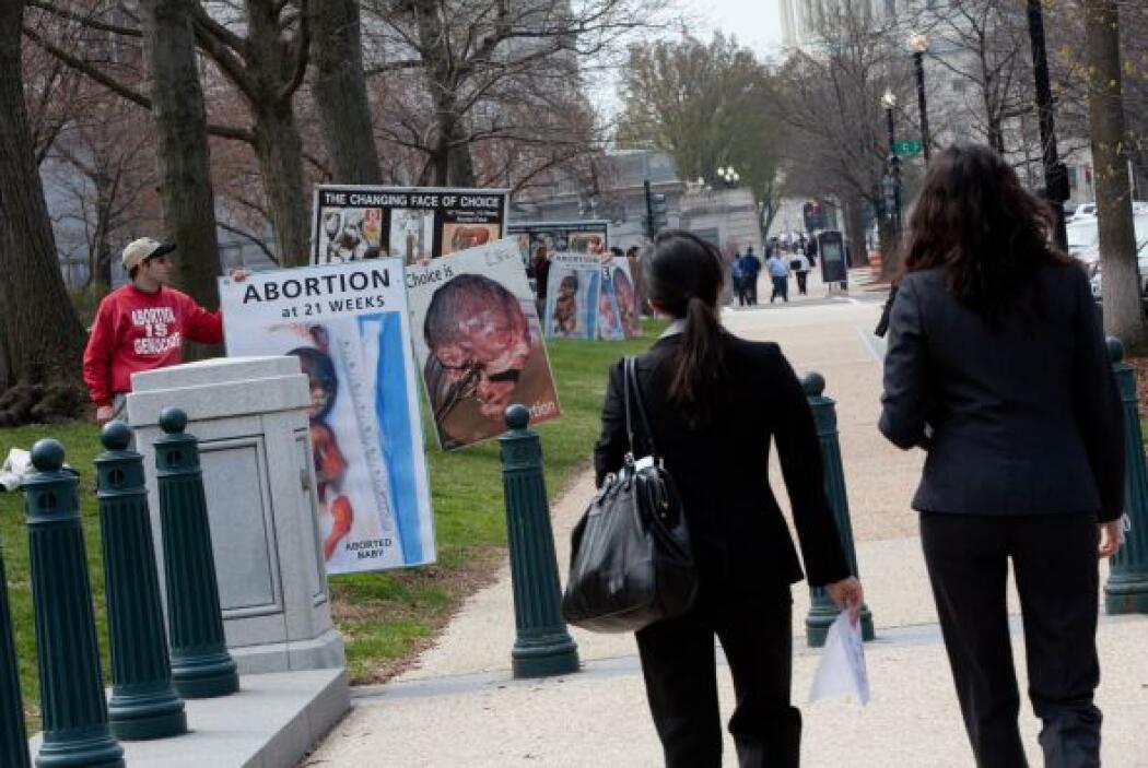 Pero quizás ningún tema es más polémico que el aborto. Y la Suprema Cort...