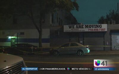Mujer muere apuñalada en Queens