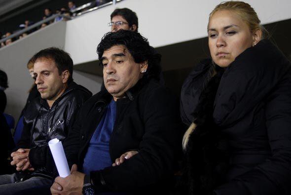 Diego Armando Maradona, que está en Barcelona para hablar con Messi, vio...