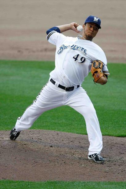 El brazo del mexicano Yovani Gallardo, de los Brewers, obtuvo el reconoc...