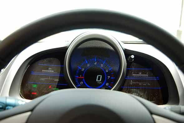 El tablero muestra en su pantalla de LCD el funcionamiento del sistema h...