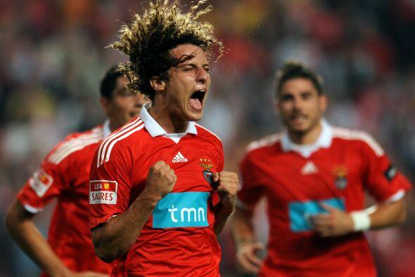 El 31 de enero del 2011 el Chelsea fichó al defensa brasile&ntild...