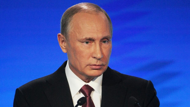 Putin rechaza la supuesta influencia rusa en la campaña electoral de EEU...