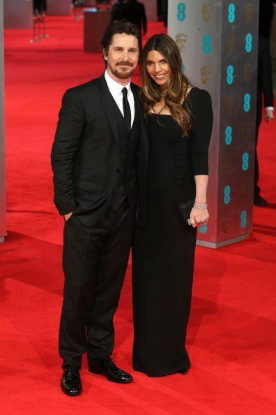 Otra pareja de guapos de la noche fueron Christian Bale y Sibi Blazic, a...