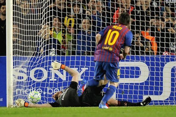 Lionel cobró el disparo de forma correcta y así poner las cosas 1-0.