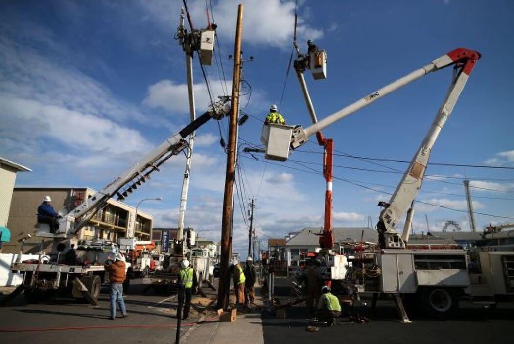 Las labores de recuperación en las zonas de EEUU que resultaron afectada...
