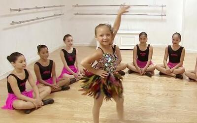 Conoce a esta pequeña bailarina de salsa con un talento extraordinario