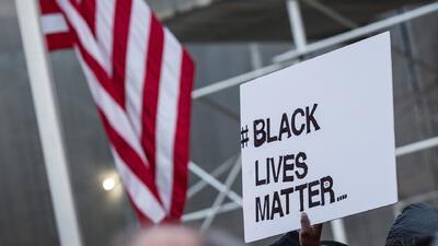 Miles exigen justicia para jóvenes afroamericanos en el Capitolio