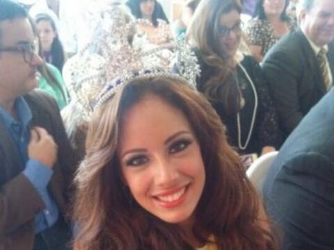 La octava reina de Nuestra Belleza Latina, Aleyda Ortiz recibió u...