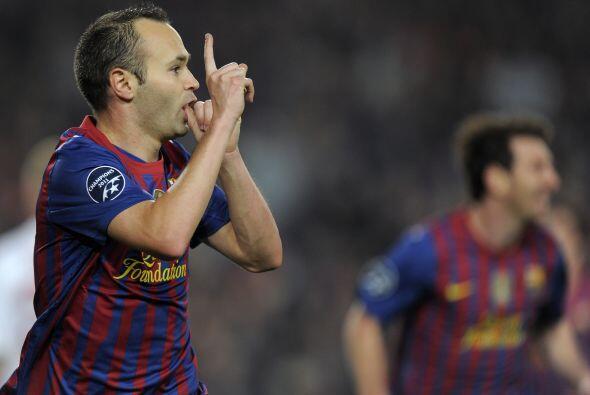 El volante 'blaugrana' no perdonó y marcó el tercer gol de su club.
