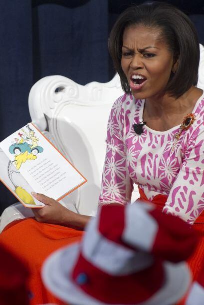 """La primera dama Michelle Obama, """"El gato en el sombrero"""" y cerca de una..."""