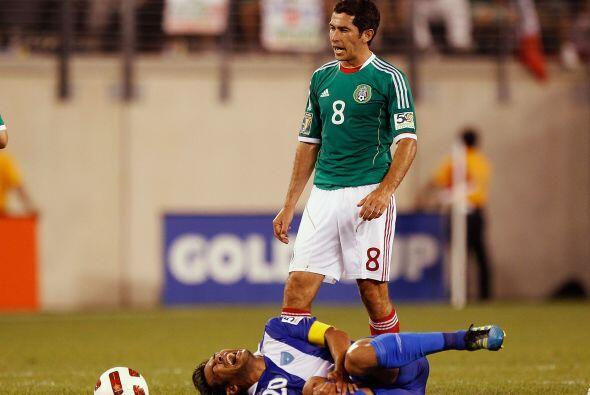 Israel Castro jugó los primeros 45 minutos y para el segundo tiempo meti...