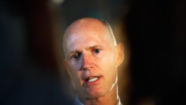 Emelina recibió 5,000 dólares de la campaña del gobernador Rick Scott en...