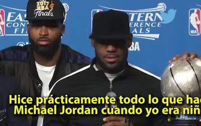 """LeBron James: """"He hecho todo lo que hacía Michael Jordan cuando yo era n..."""