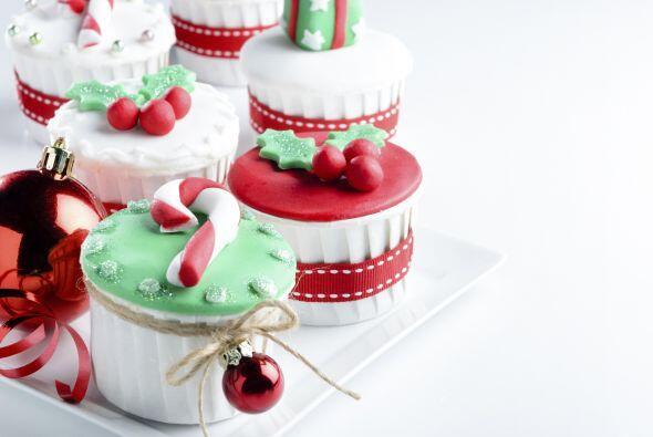 Y los clásicos dulces navideños no pueden faltar: bastones...