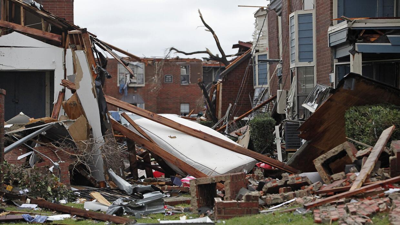 Tornados dejan cinco lesionados y más de un centenar de estructuras daña...