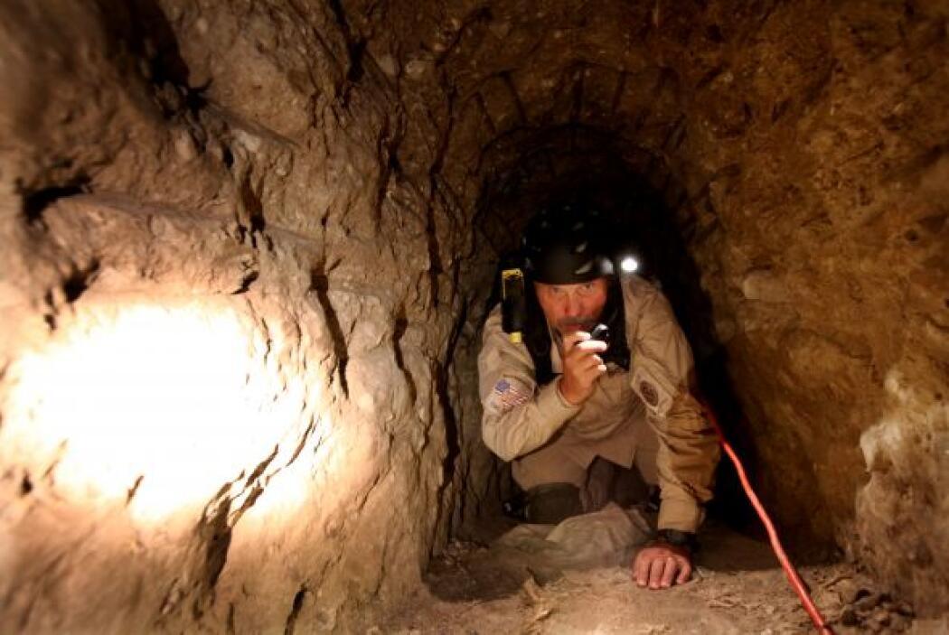 """""""Los agentes creen que este túnel pertenece a un importante cártel de la..."""