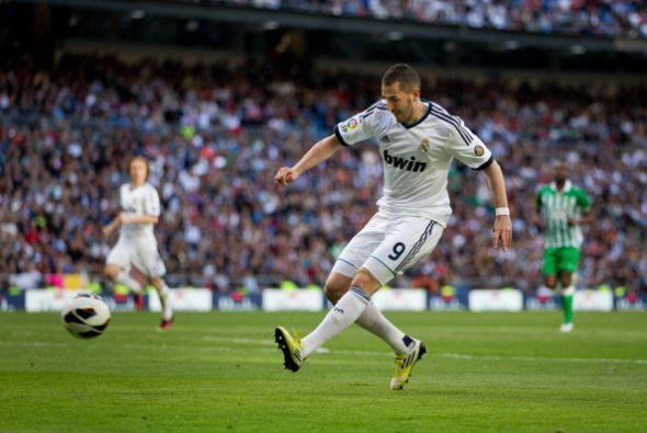 Benzema hizo el segundo del Madrid en la segunda parte.