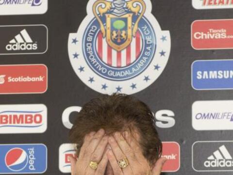 A días de iniciar el Apertura 2009, Ricardo La  Volpe rompi&oacut...