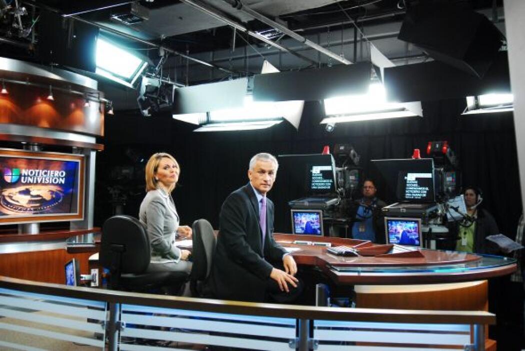 Noticiero Univision se transmite desde los estudios centrales de Univisi...