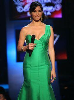 Como cada semana, la guapa conductora de Nuestra Belleza Latina, Giselle...