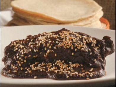 Mole poblano: Algunas recetas del mole poblano incluyen hasta cien ingre...