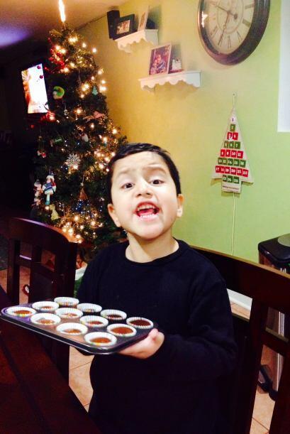 La familia Esparza Zuniga envió una foto de su hijo preparando de...