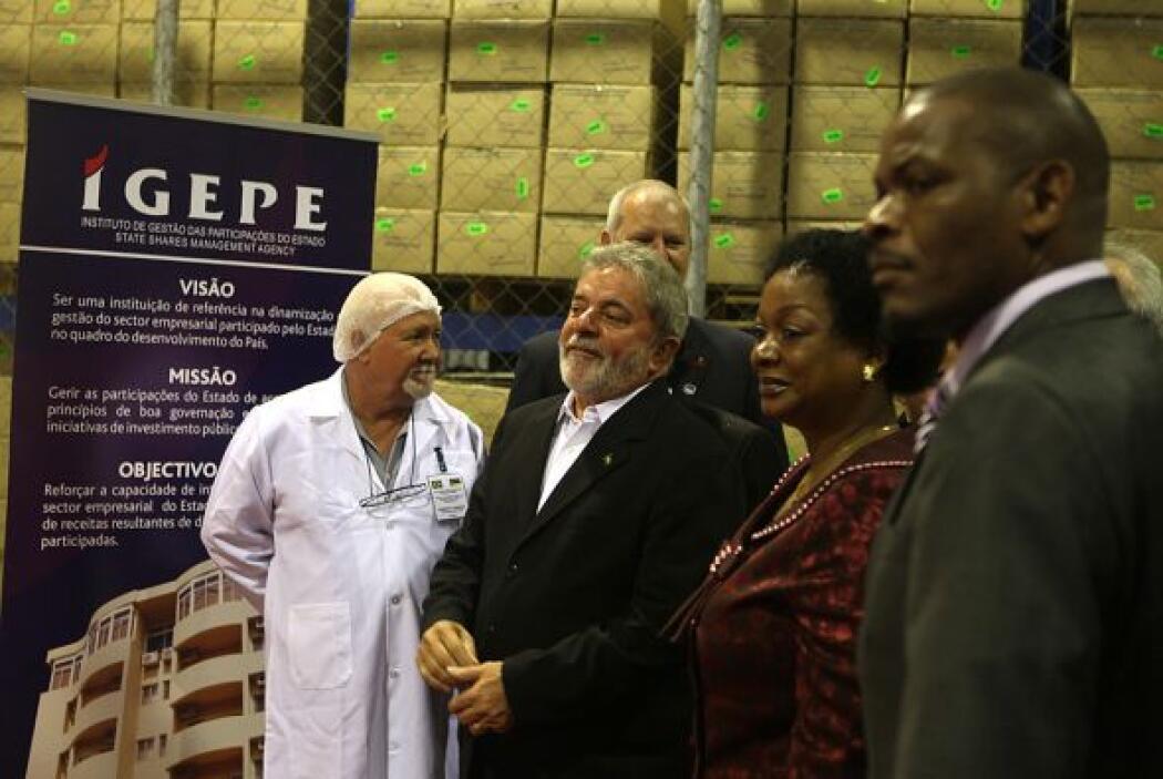Lula también inauguró la primera fábrica de medicamentos antirretroviral...