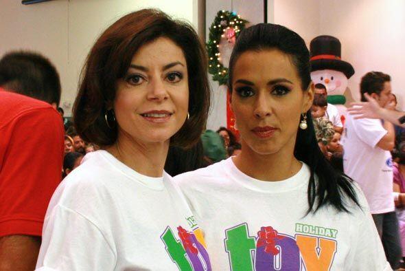 Marisa también se llenó del espíritu navideño y dio a los niños momentos...