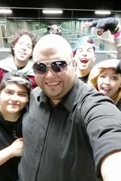 Gracias a Metro PCS, pudimos acompañar al concursante boricua mientras s...