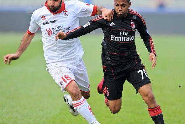 El Milan enfrentó al Bari en una visita que resultaba clave en su...