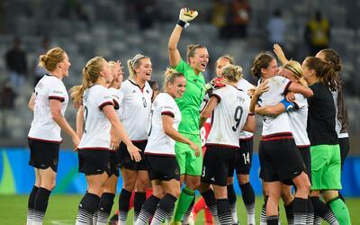 Alemania derrotó 2-0 a Suecia