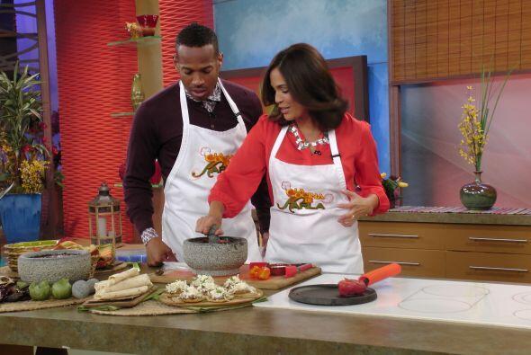 Marlon se convirtió en el nuevo asistente de 'La cocina de Karla', quien...