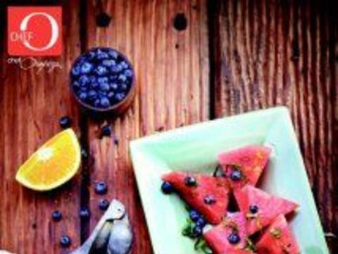 Violeta Ensalada de sandía y mora azul: Una receta económica y llena de...