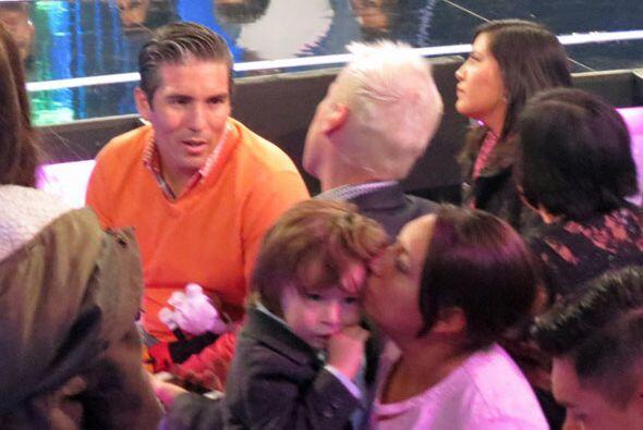 Mientras la nana cuidaba al nene, Fernando hablaba con el estilista de G...